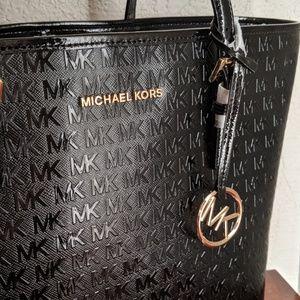 Michael Kors Bags - Michael Kors Jet Set Carryall Tote